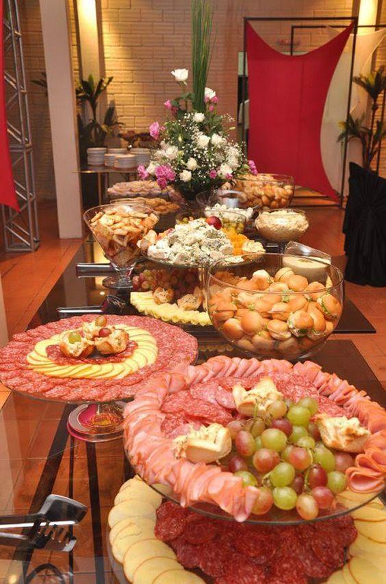 Decora o de mesas de frios para festas 60 fotos for Casa jardin buffet