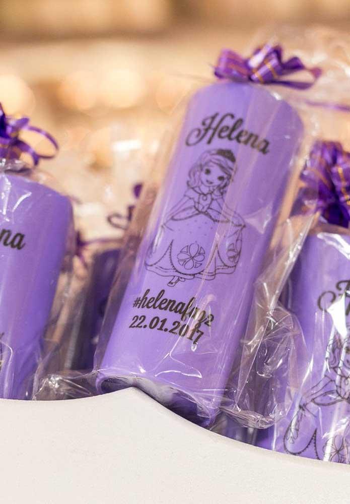 Existem várias opções de lembrancinhas para aniversário, mas o copo personalizado é um dos mais escolhidos.