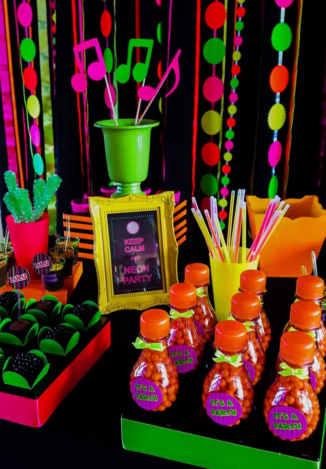 Festa De 15 Anos Neon 60 Ideias Fotos Lindas
