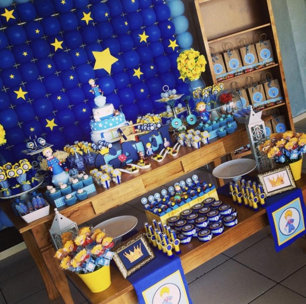 festa tema jardim clean : festa tema jardim clean:Imagem 29 – O bolo conta com três camadas diferentes remetendo aos