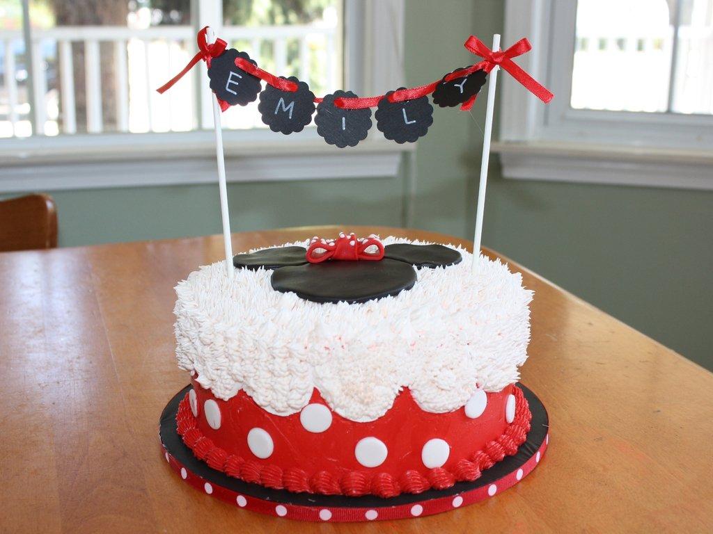 Bolo da Minnie vermelha e rosa: veja 60 fotos incríveis de decoração
