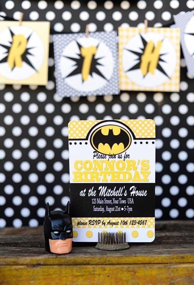 Que tal fazer um convite diferenciado para o aniversário com o tema Batman?