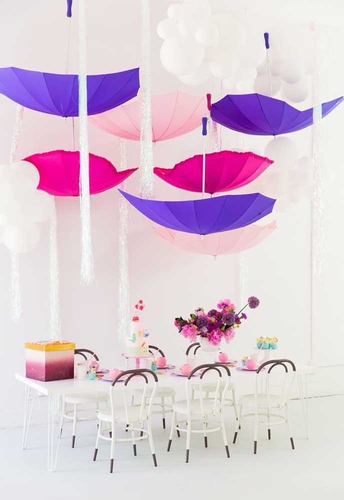 Olha que decoração diferenciada para uma festa com o tema Peppa Pig, sempre mantendo as cores principais do tema.