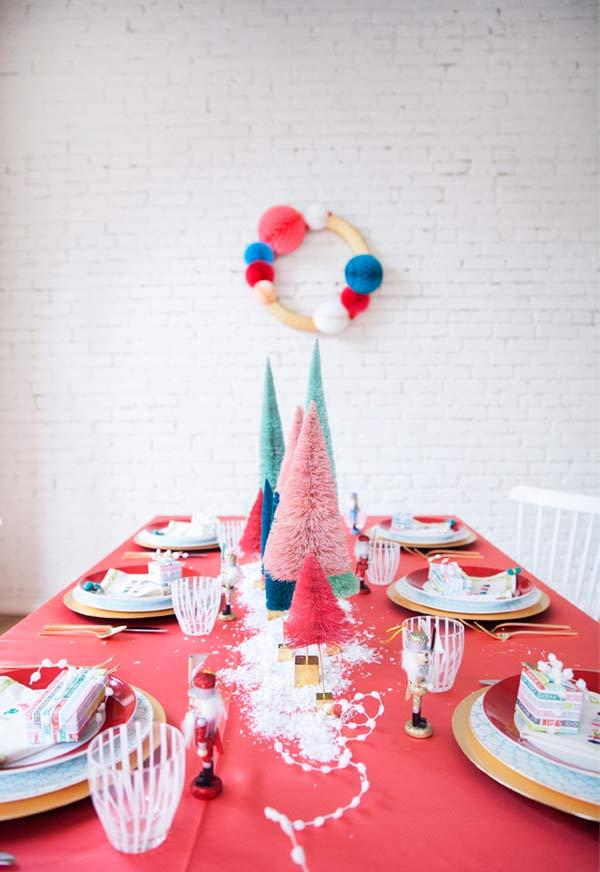 Decoração de Natal para mesa com cores vivas