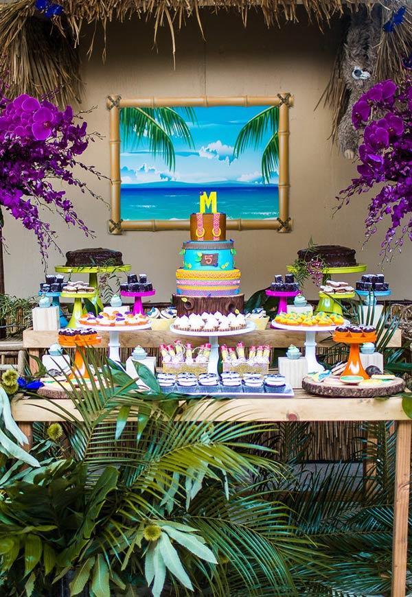 Decoração de festa havaiana indoor