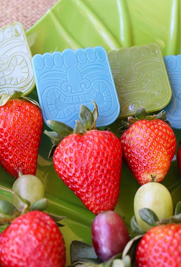 Frutas no palito ou potinho
