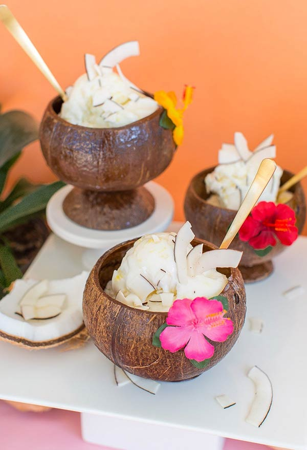 Tudo fica mais bonito servido no coco