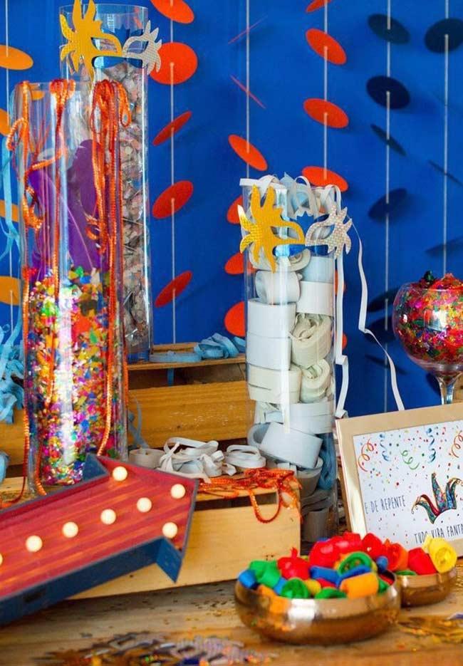 Serpentinas como parte central da decoração de carnaval