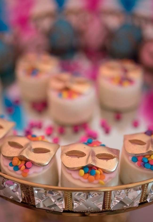 Bonbons de chocolate na decoração de Carnaval