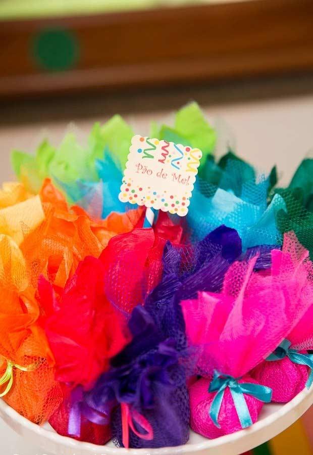 Aproveite os tecidos coloridos