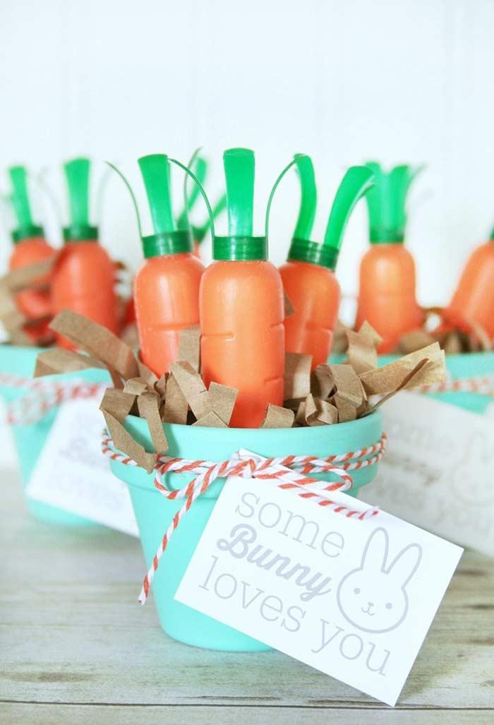 Cestinhas de cenoura de plástico como lembrancinha!
