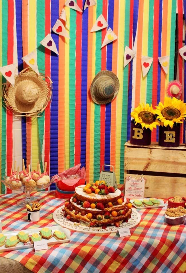 Decoração de festa junina para mesa principal