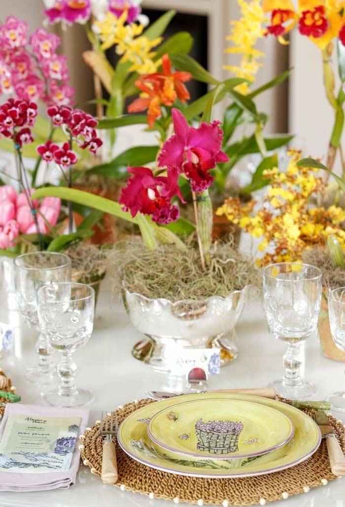 Decore a mesa com flores