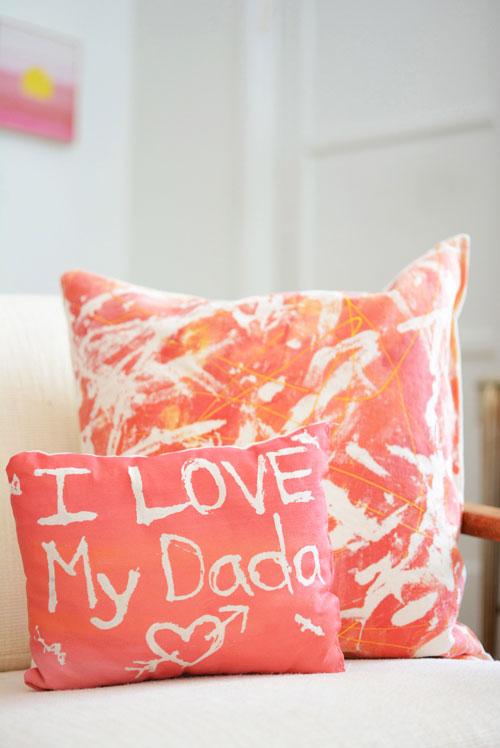 Uma almofada personalizada feita com todo amor e carinho