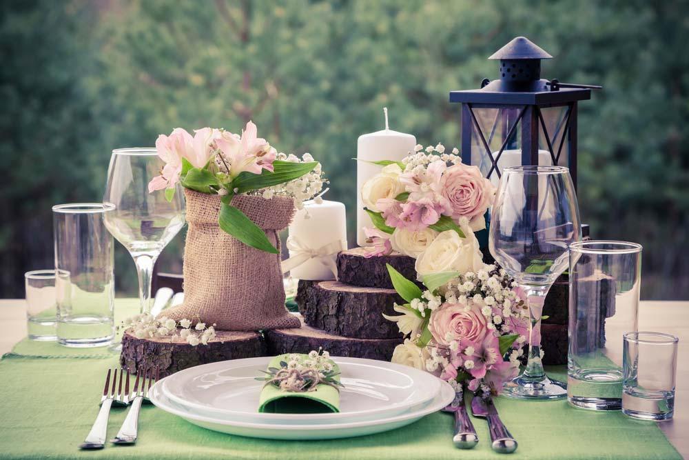 Decoração de festa de noivado rústica