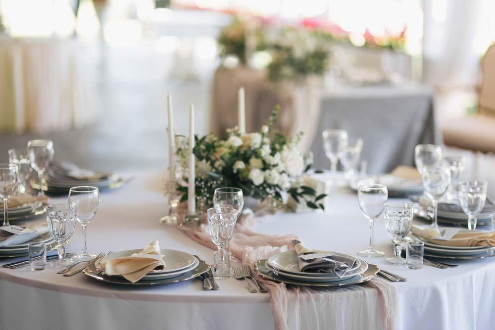 Decoração de festa de noivado tradicional