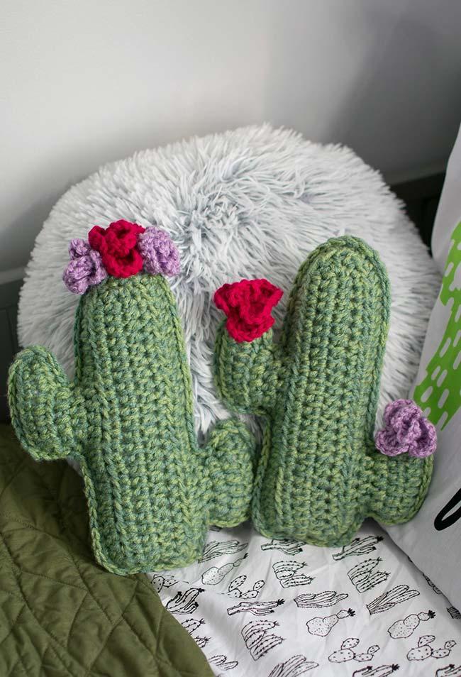 Flores de crochê para almofada