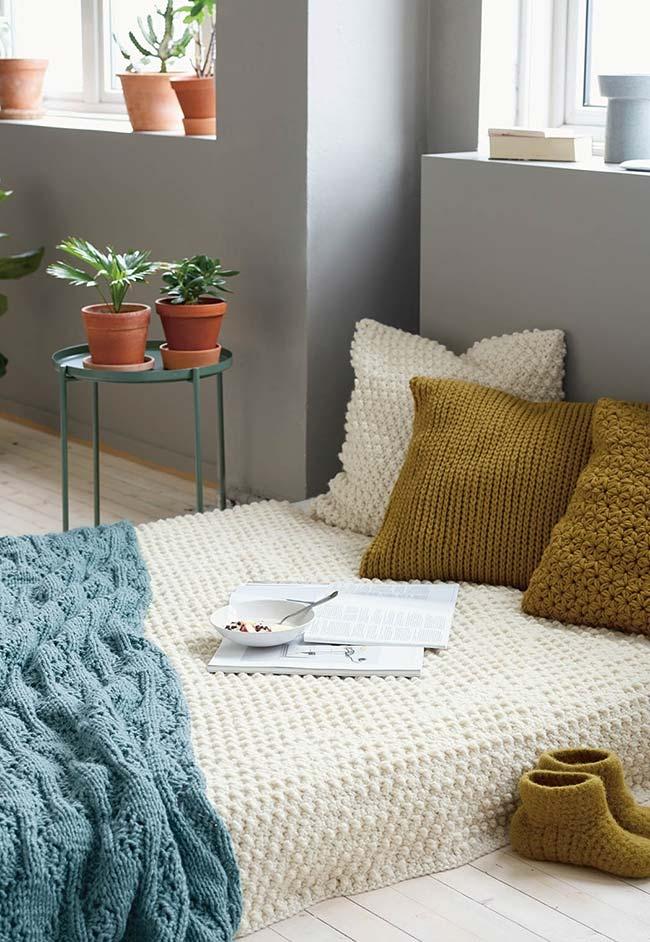 Almofadas, colchão e manta em crochê