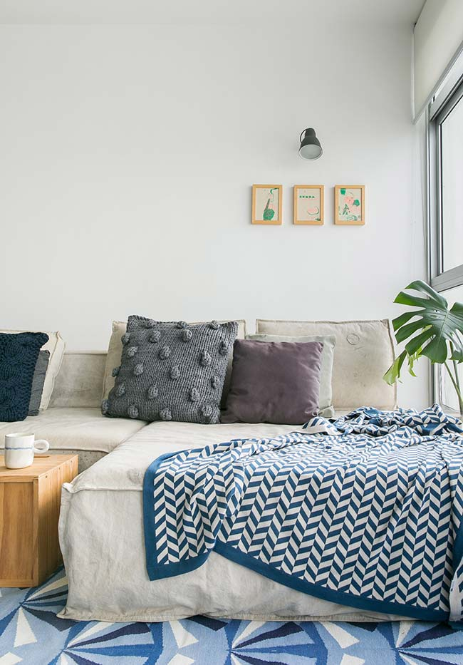 Almofada de crochê na sala