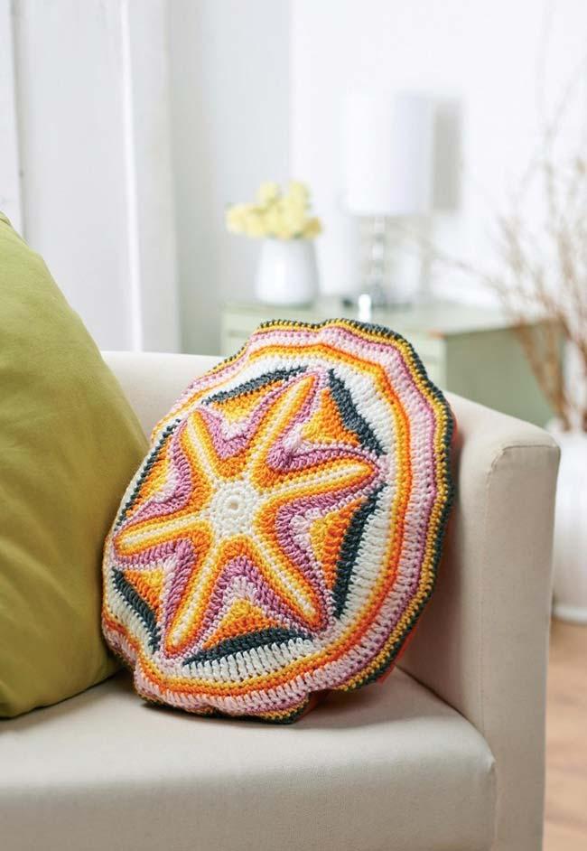 Almofada de crochê com estrela do mar