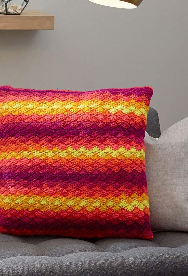 Almofada de crochê para apostar na inovação com a técnica