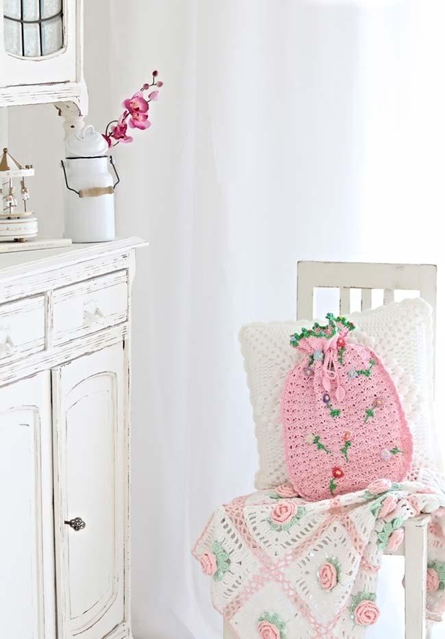 Conjunto de almofada de crochê com cores claras