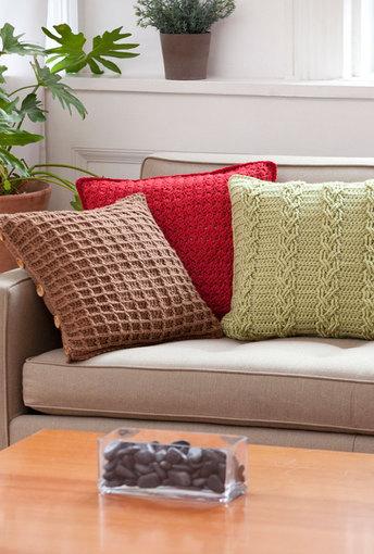 3 almofadas de crochê coloridas