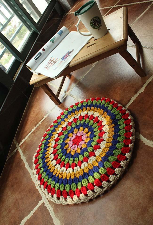 Almofada de crochê redonda bem grande