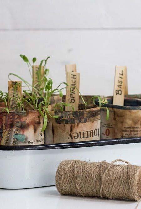 Artesanato com jornal: vasinhos feitos especialmente para as plantinhas