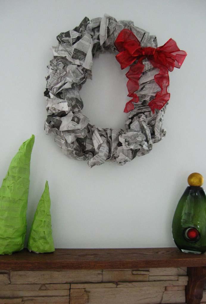Guirlanda de Natal de jornal