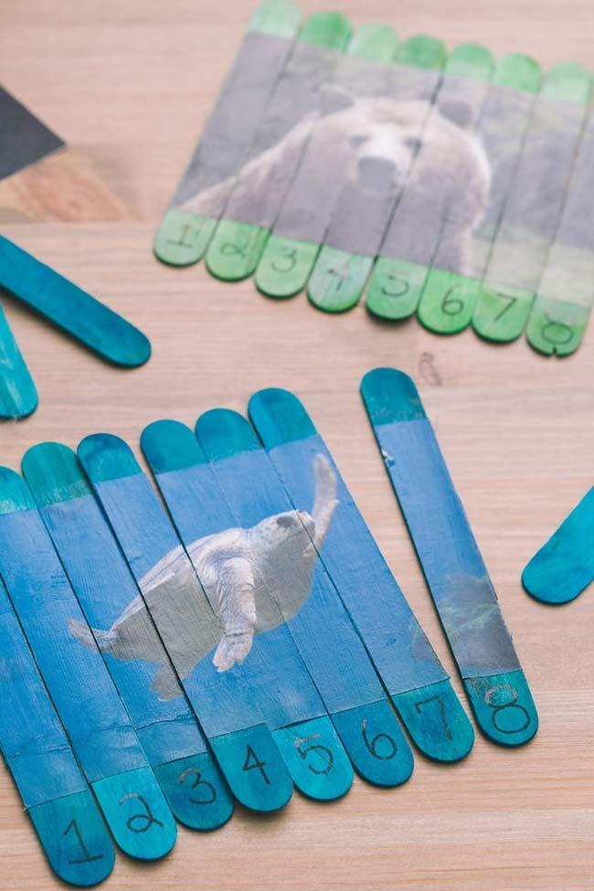 Um quebra-cabeça divertido feito com palitos de picolé