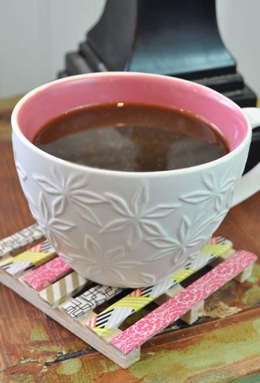 Porta xícaras diferente feito com palitos de picolé