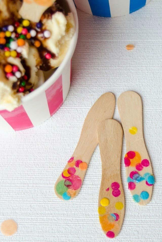 Palito e sorvete: volte a unir essa dupla usando os palitos como pazinha para sorvete