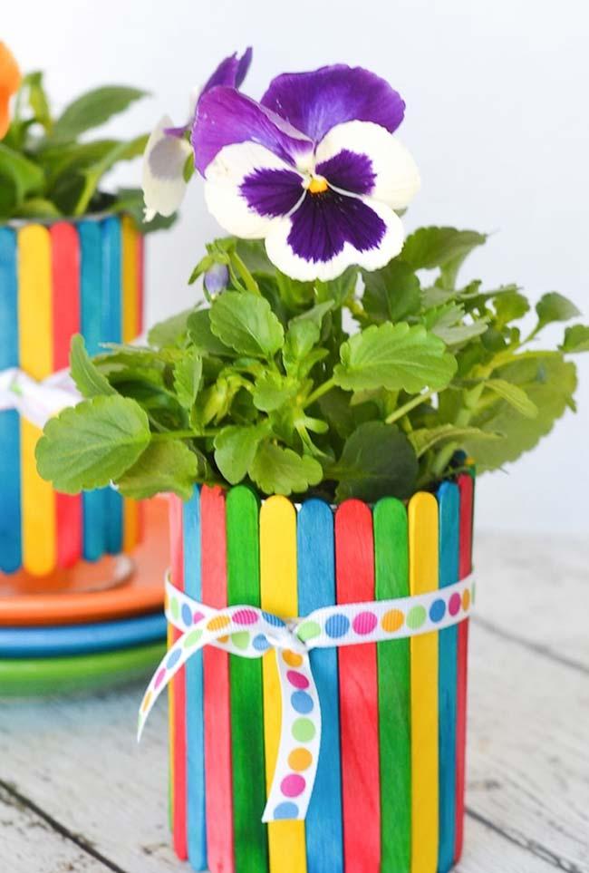 Vasinho bem colorido para suas flores