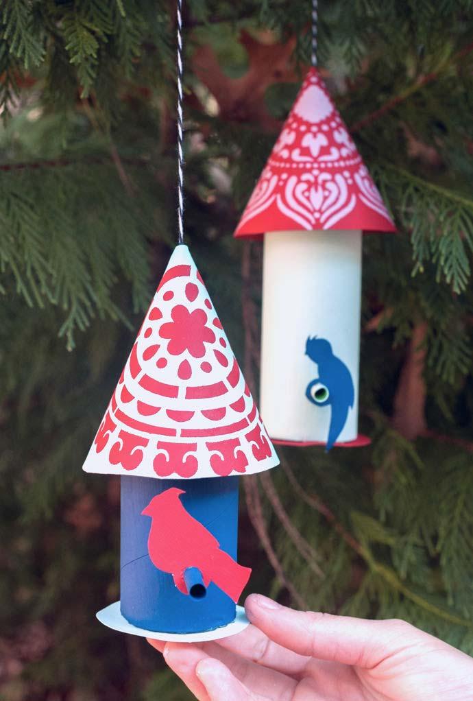 Artesanato com rolo de papel higiênico: Casinhas de papel para passarinhos