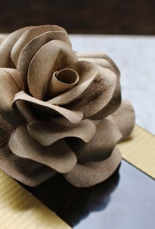 Artesanato com rolo de papel higiênico flores