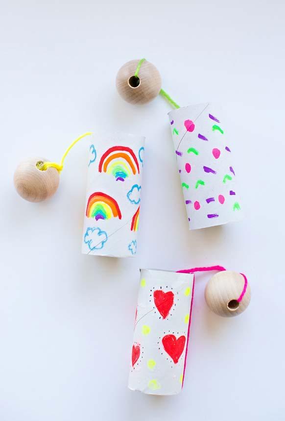 Recupere a ideia dos brinquedos antigos com artesanato de rolo de papel higiênico