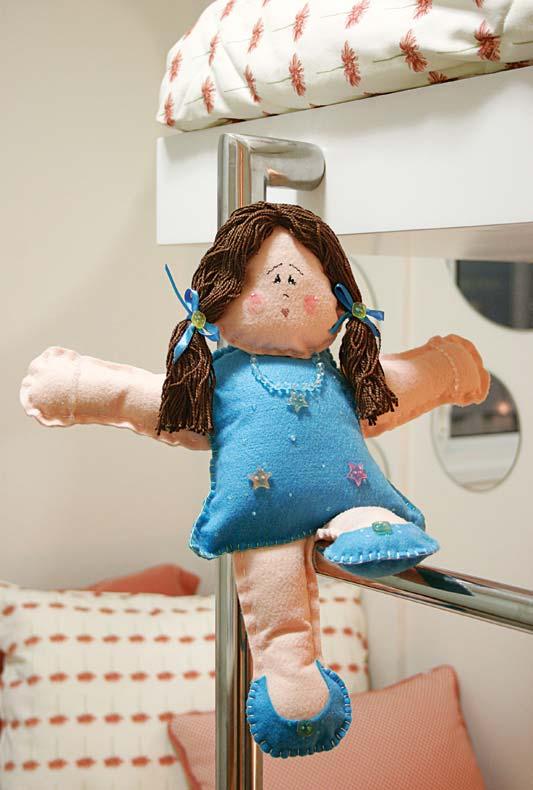 Bonequinha de feltro faz a alegria de qualquer criança