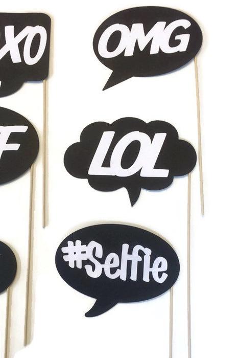 Aposte nas frases e expressões utilizadas nas redes sociais para as suas plaquinhas