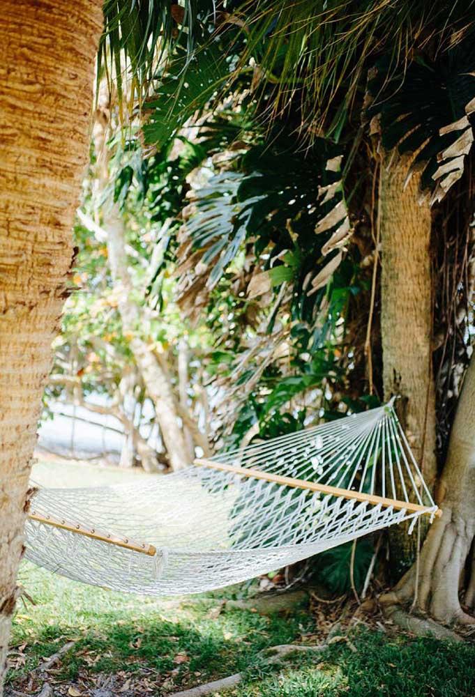 Para relaxar e descansar espalhe algumas redes pelo cenário da festa. Seus convidados vão amar!