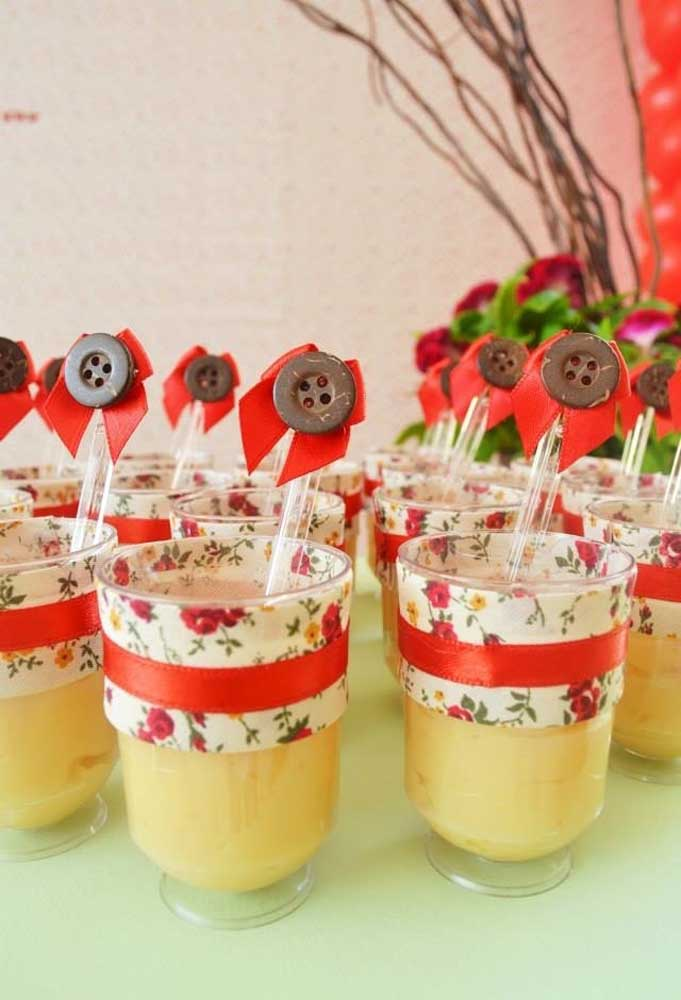 O ideal é que tudo que será servido na festa seja personalizado de acordo com o tema do aniversário.
