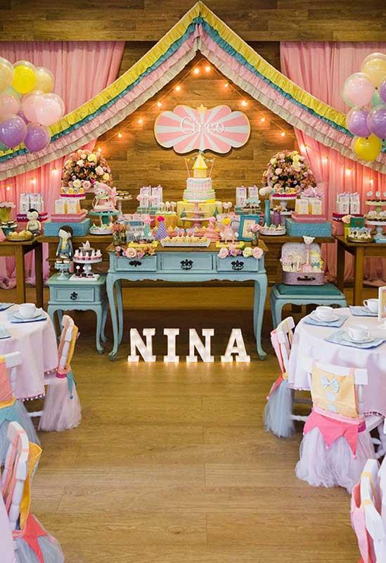 Que tal fazer uma festa encantadora para a sua filha usando como tema o circo?