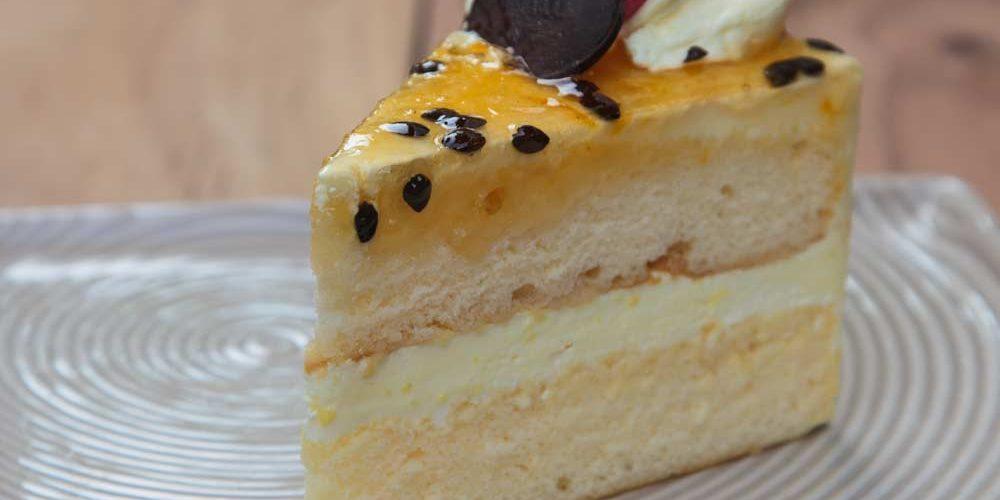 Confira as melhores receitas de recheio de maracujá para bolo.