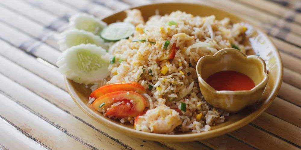 Confira as melhores receitas de khao pad que selecionamos