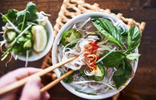 Confira as melhores receitas de pho vietnamita